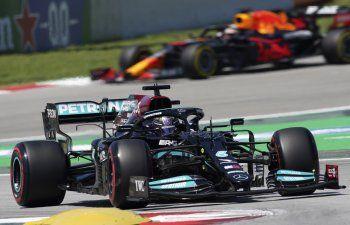 Verstappen supera a Hamilton en 2ra práctica de GP de España