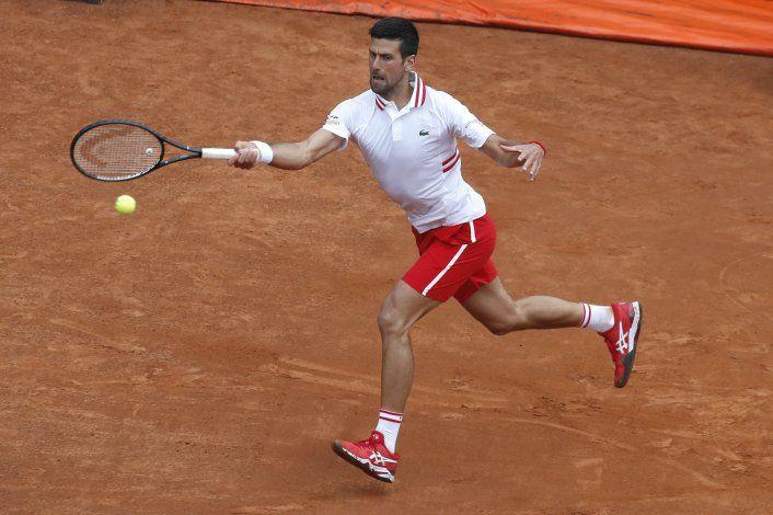 Djokovic pierde los estribos pero gana en 2da ronda en Roma