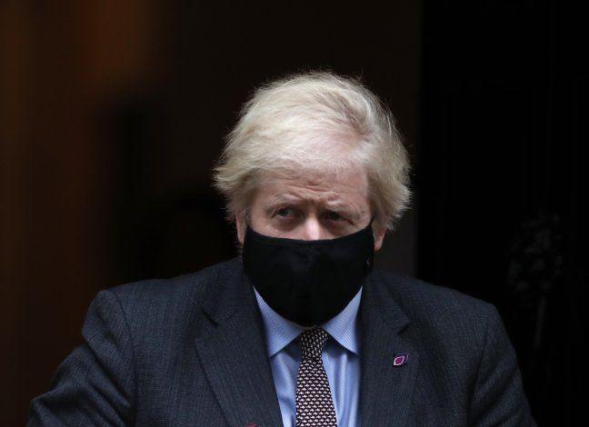 Johnson fustiga a quienes niegan el cambio climático