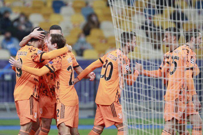 Messi lidera goleada del Barcelona, Rashford liquida al PSG