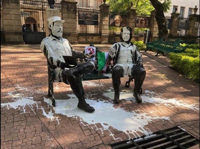 Vandalizan estatuas de Fidel Castro y Che Guevara en México