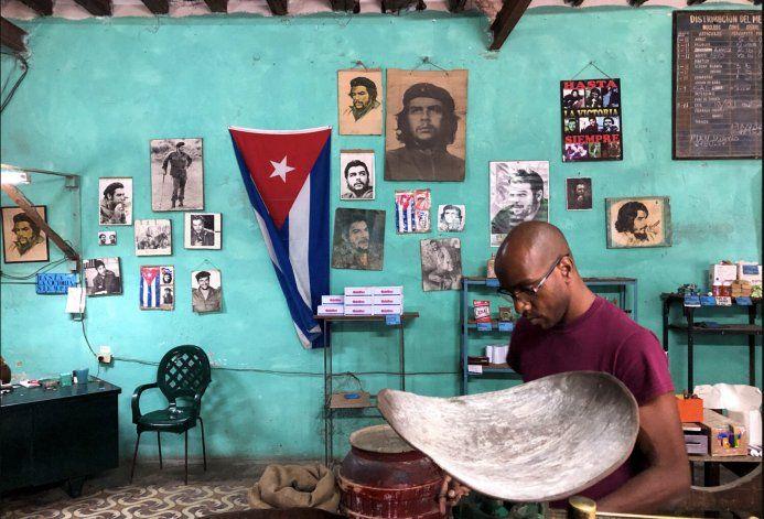 Cigarros: hasta trece veces el precio de la bodega en Cuba... si los encuentras