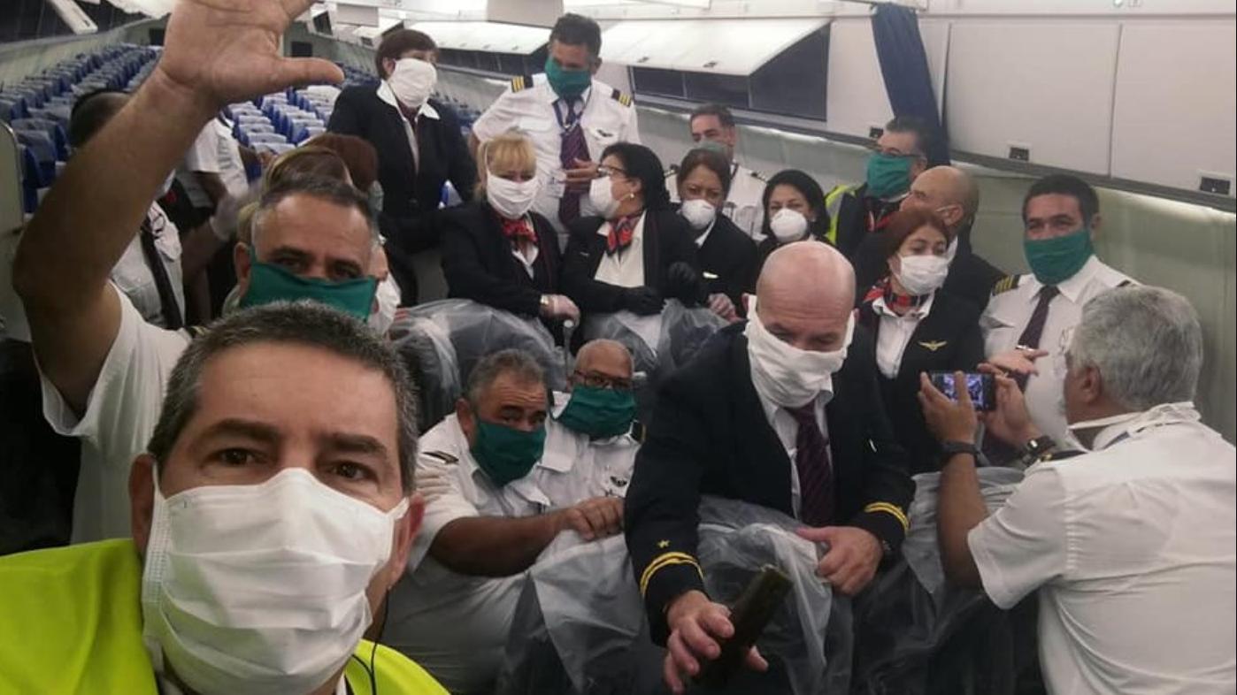 al menos seis empleados de cubana de aviacion han muerto por covid-19 en cuestion de dias