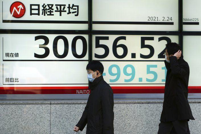 Índices de Wall Street abren con tendencias dispares